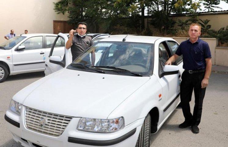 Nazirlik bu şəxslərə avtomobil verdi  (FOTO)