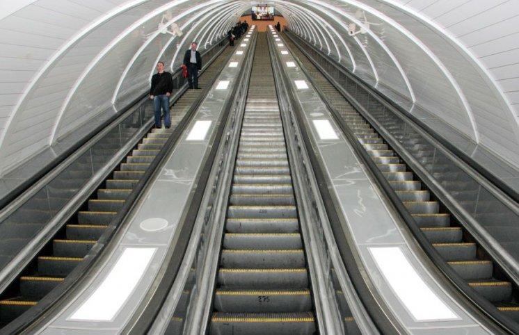 Metropolitendə 3 ay istifadəsiz qalan eskalatorun təftişi başa çatıb